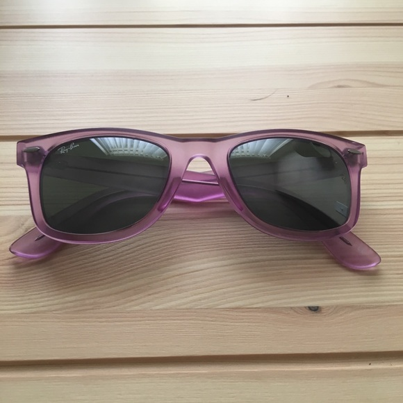 Ray Ban Wayfarer Ice POP Strawberry Brand New NWT